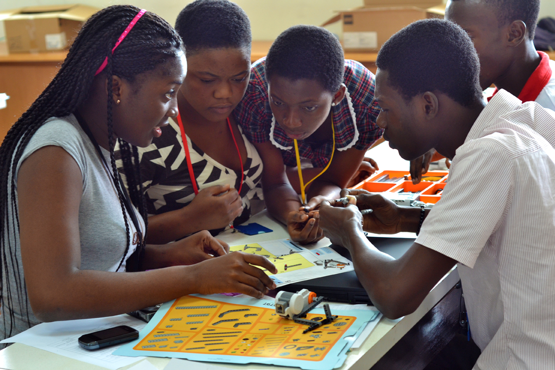 Innovation_transforms_education_for_refugee_students_in_Africad