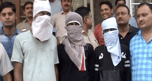nti-news-delhi-road-girls-gang-loot-police