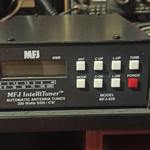 MFJ-929 Antena tuner automat.