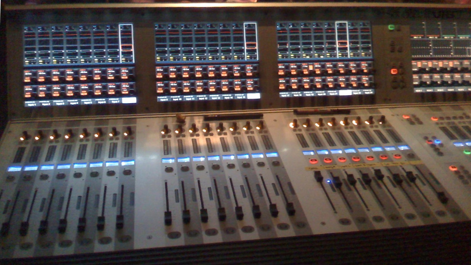 The Soundcraft Vi6