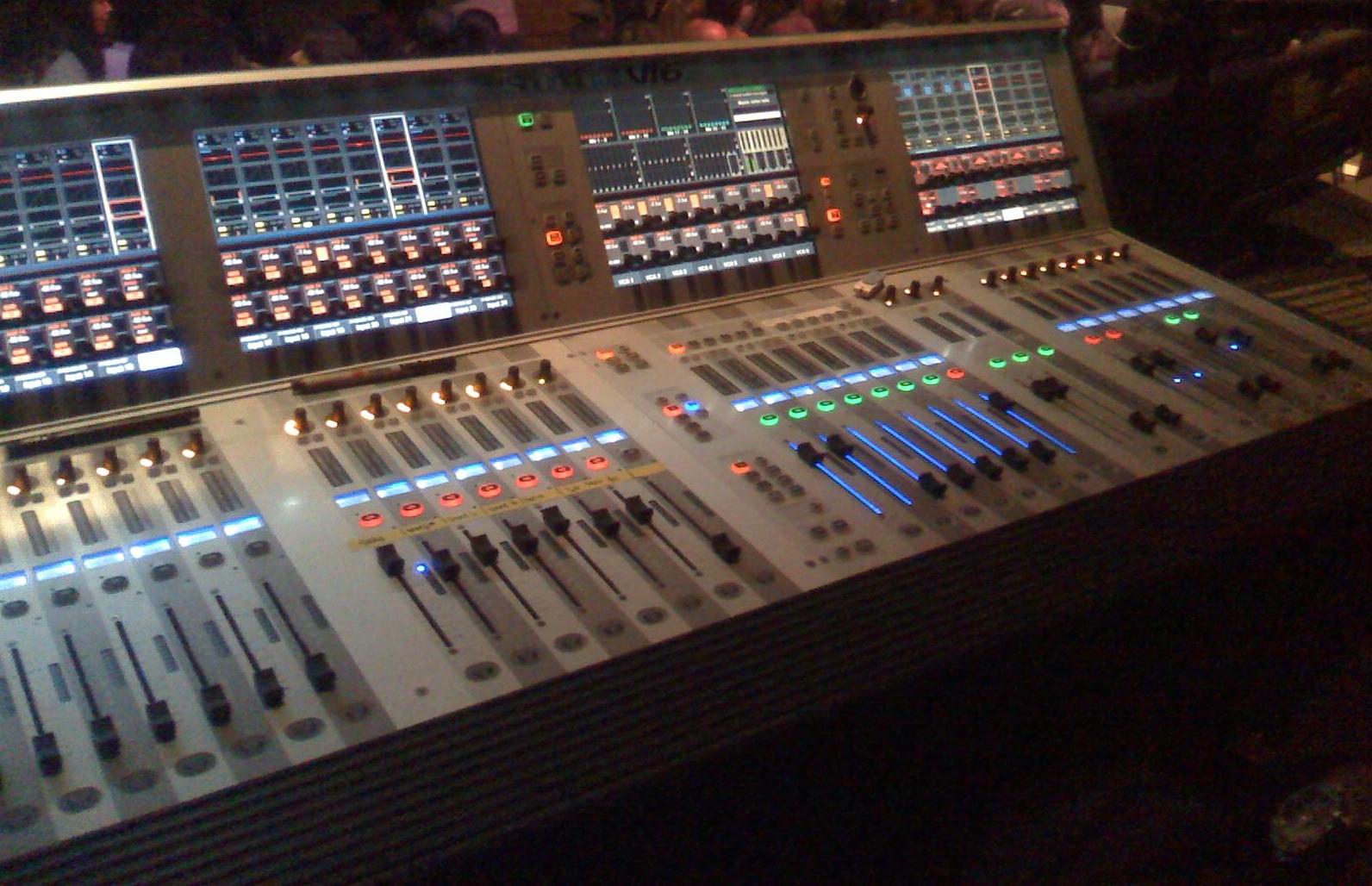 The Soundcraft Vi2