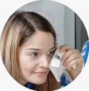 Augenmake-up sanft entfernen nur mit Wasser und Mikrofaser