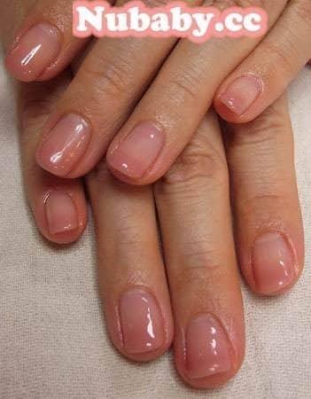 美甲教學-低調氣質粉膚色/奶茶色璀璨凝膠