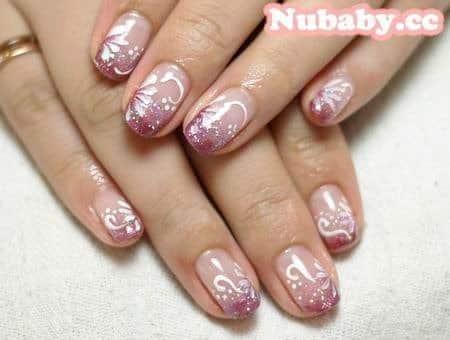 美甲作品 -溫柔紫色與櫻花仿法式凝膠指甲