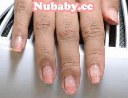 指甲教學-粉膚桃色的婚紗璀璨凝膠設計