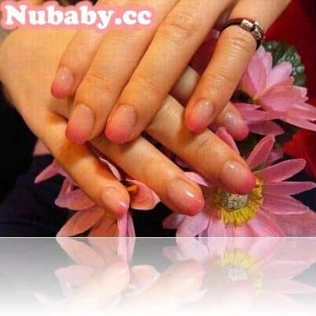 美甲作品-甜美粉紅璀璨凝膠指甲