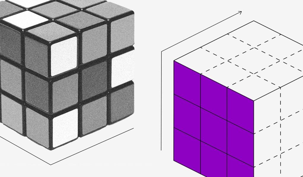 Imagem de um cubo mágico embaralhado e outro com uma superfície toda roxa.