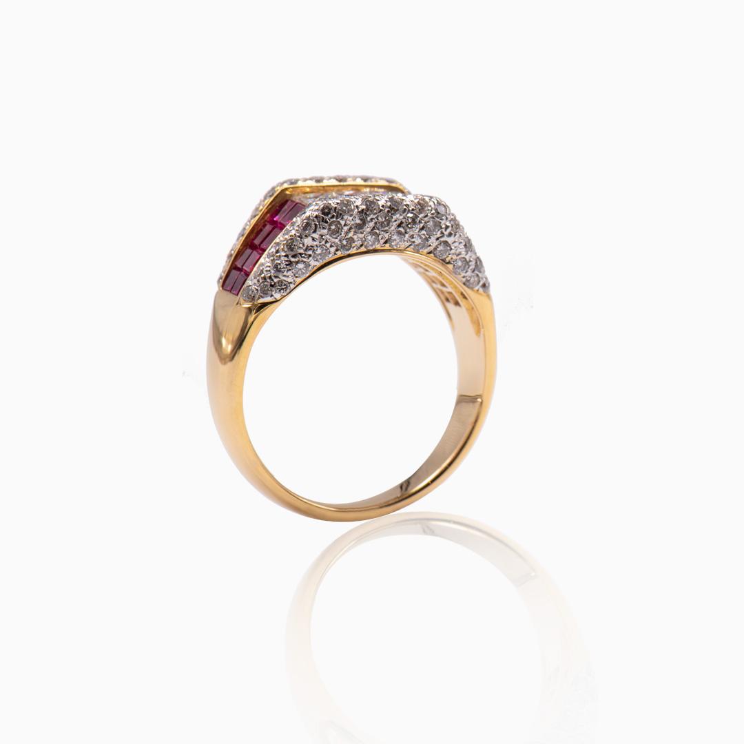 Anillo de Oro Diamantes y Rubíes