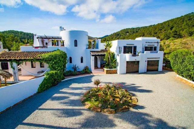 luxury reformer pilates retreat holiday ibiza nubodi pilates can verru luxury villa 9