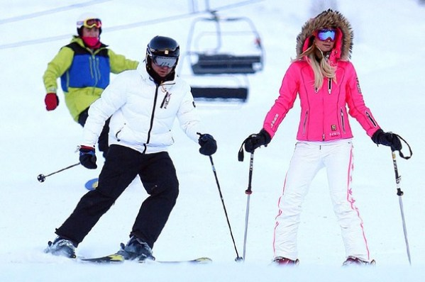 paris-hilton jet set pink pants aspen