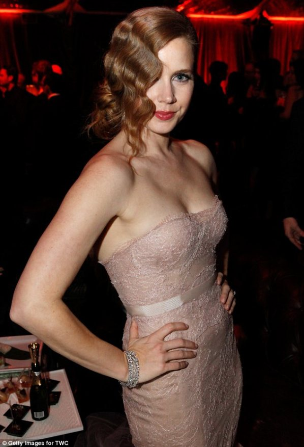 amy adams marchesa nude lace gown golden globes
