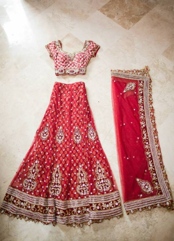 Indian WEdding Dress Sari - wedding tips for culture wedding