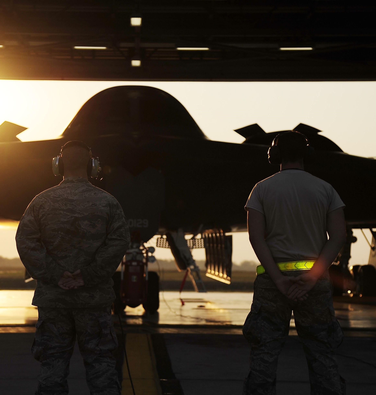 U.S. Air Force photo/Senior Airman Cody H. Ramirez: http://www.whiteman.af.mil/News/Photos/igphoto/2000119992/