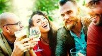 Ακόμα και ένα ποτηράκι αλκοόλ την ημέρα, είτε πρόκειται για μπίρα, κρασί ή ουίσκι, είναι ικανό να σας αυξήσει κατά 5% τον κίνδυνο εκδήλωσης καρκίνου, με τους επιστήμονες να προειδοποιούν ότι δεν υπάρχει ασφαλές όριο κατανάλωσης