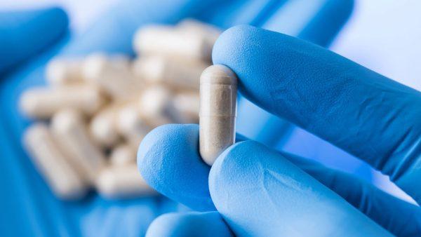 Νεότερα στοιχεία συσχετίζουν τη λήψη στατινών με μειωμένο κίνδυνο εμφάνισης καρκίνου του προστάτη. Τα οφέλη συνδέονται με τη μεγαλύτερη διάρκεια θεραπείας και την υψηλή δοσολογία