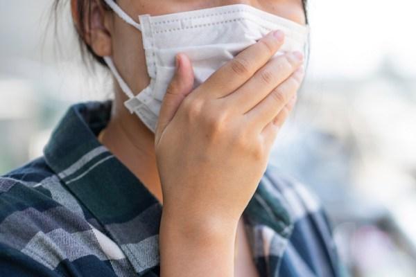 Πατρινός καθηγητής: Ο κορωνοϊός μεταδίδεται αναπνέοντας «Δεν θέλουν να μιλήσουν για αερομεταφερόμενη μετάδοση γιατί οι άνθρωποι θα φοβηθούν»