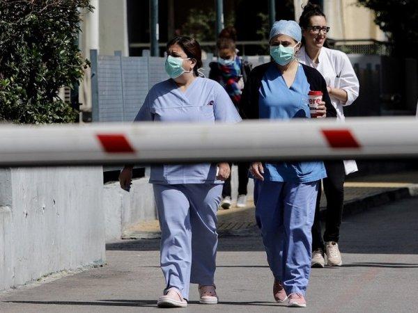 Κορωνοϊός: 150 υγειονομικοί θετικοί στον ιό στα νοσοκομεία όλης της χώρας