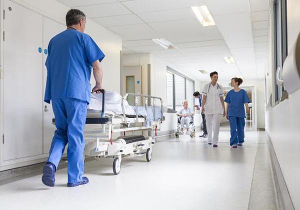 Νοσοκομείο - Διάδρομος