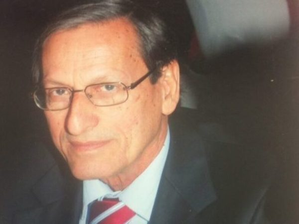 Πέθανε ο καθηγητής παιδιατρικής Στέφανος Μανταγός
