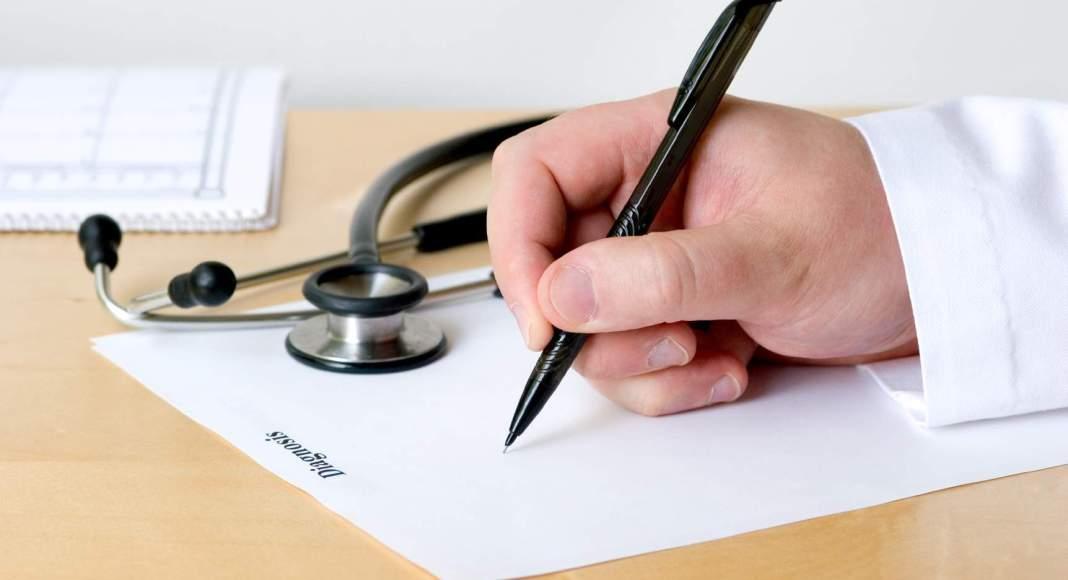 Και ιδιώτες γιατροί θα συνταγογραφούν πλέον σε ανασφάλιστους