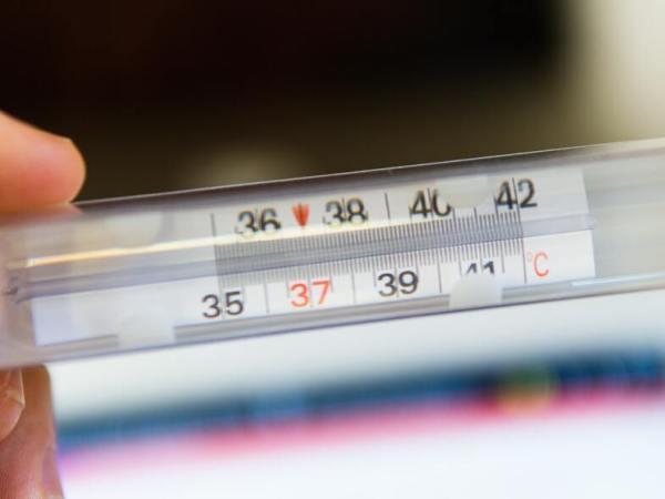 Οι υψηλές θερμοκρασίες δεν μπορούν να μειώσουν τη γρήγορη εξάπλωση του κορωνοϊού
