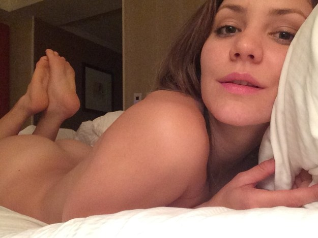 Katharine McPhee Leaked and Fappening (16 Photos)
