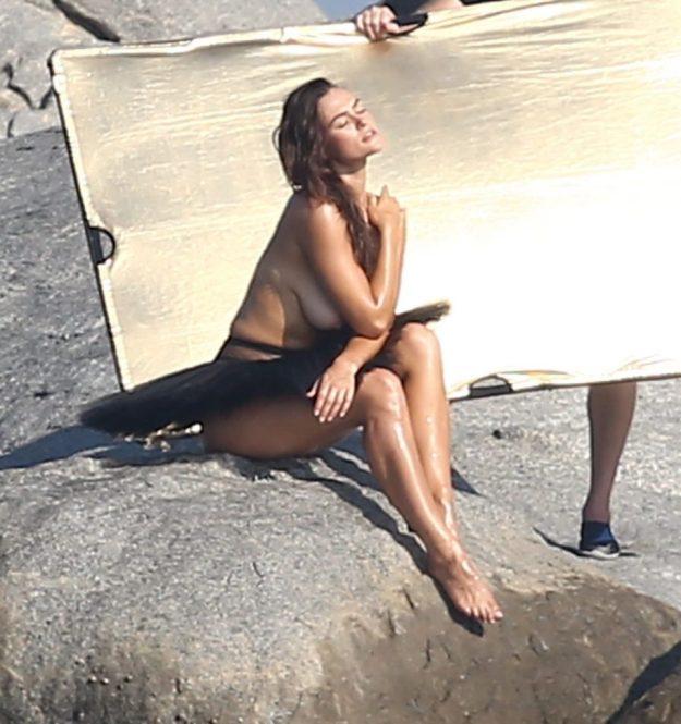 Myla Dalbesio Topless Photoshoot (35 Photos)
