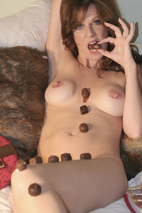 Parks and Recreation Star Mo Collins Nude iCloud Photos Leaked The Fappening 2018