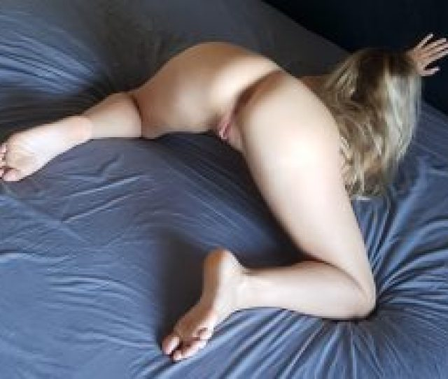 Horny White Girl Bent Over And Ready For Some Hard Doggy