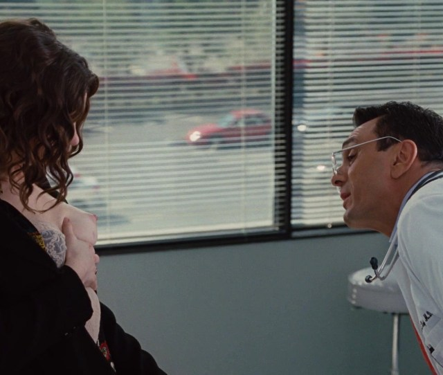 Anne Hathaway Love And Other Drugs P