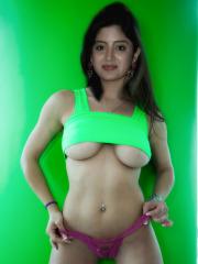 Nude Poonam Kaur Boobs