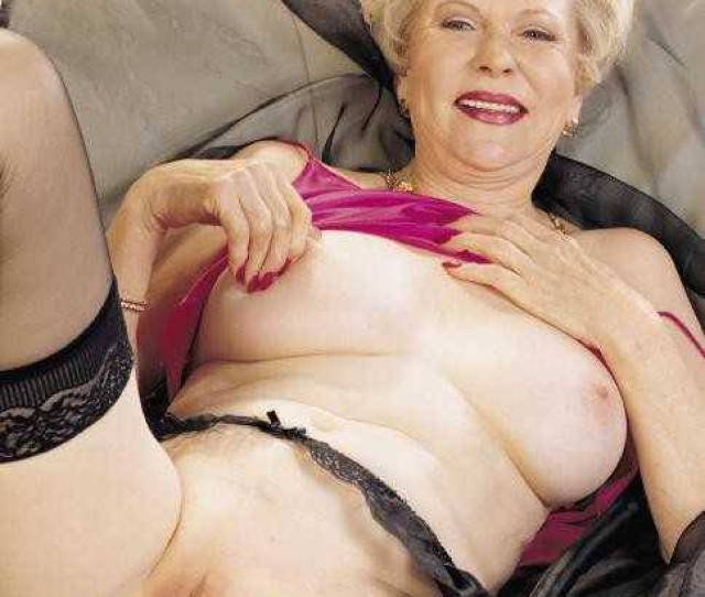 Horny Blonde Grandma Fingers Ass Eating Granny Pussy Image 2