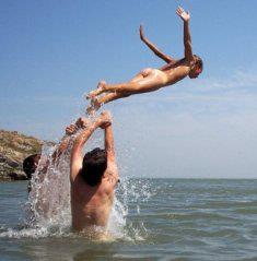 El Nudismo Propone Experiencias Llenas de LIBERTAD