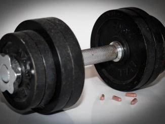 hantel_gewicht_einhandhantel_kurzhanteln_doping_medikamente_sport