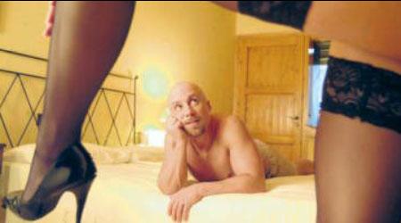 mujer sexo cama