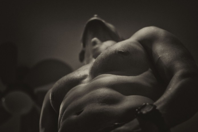 Le sport, quatre raisons pour lesquelles le pratiquer nu est supérieur