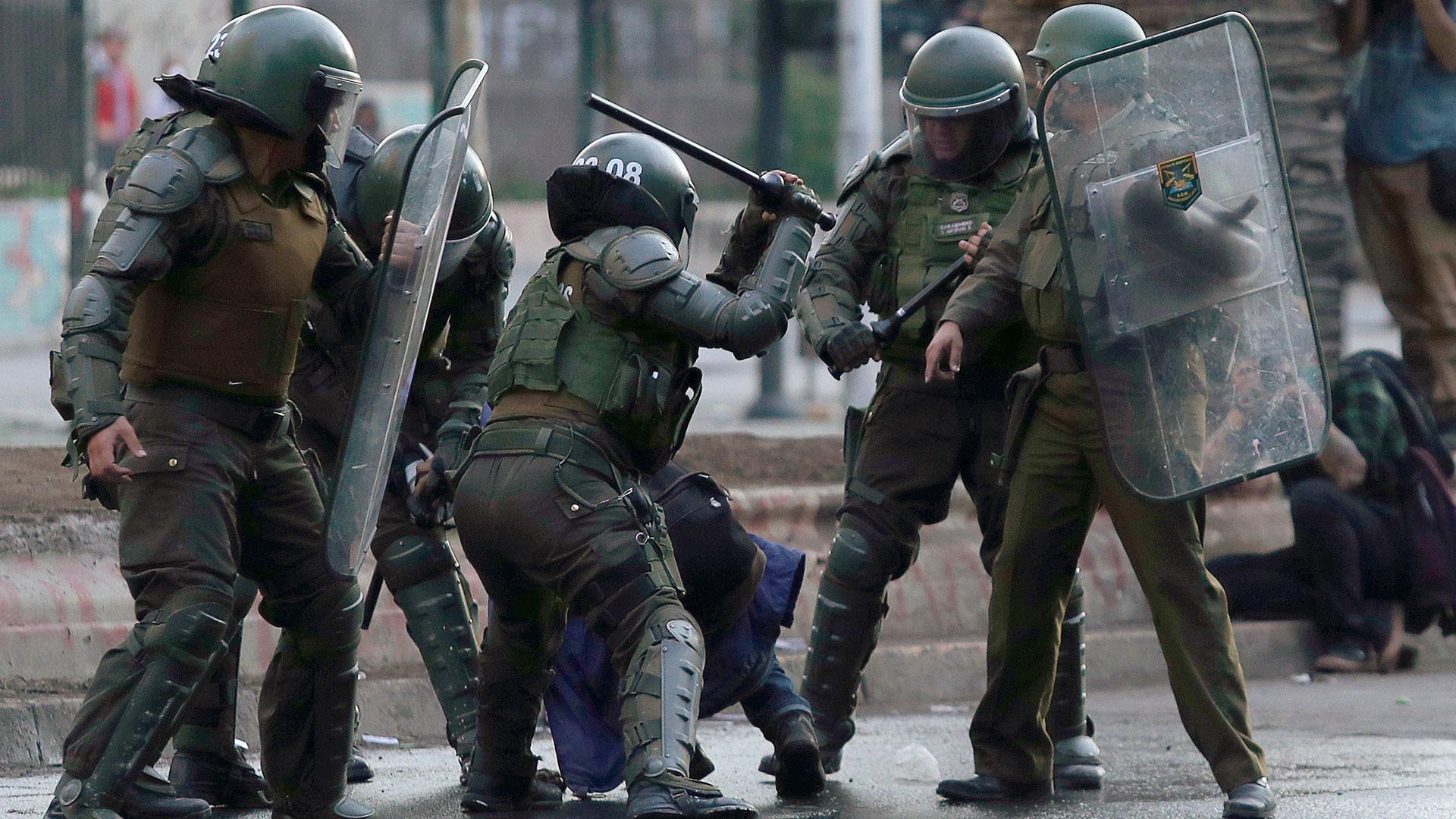 62 nuevas detenciones en inmediaciones de Plaza Baquedano