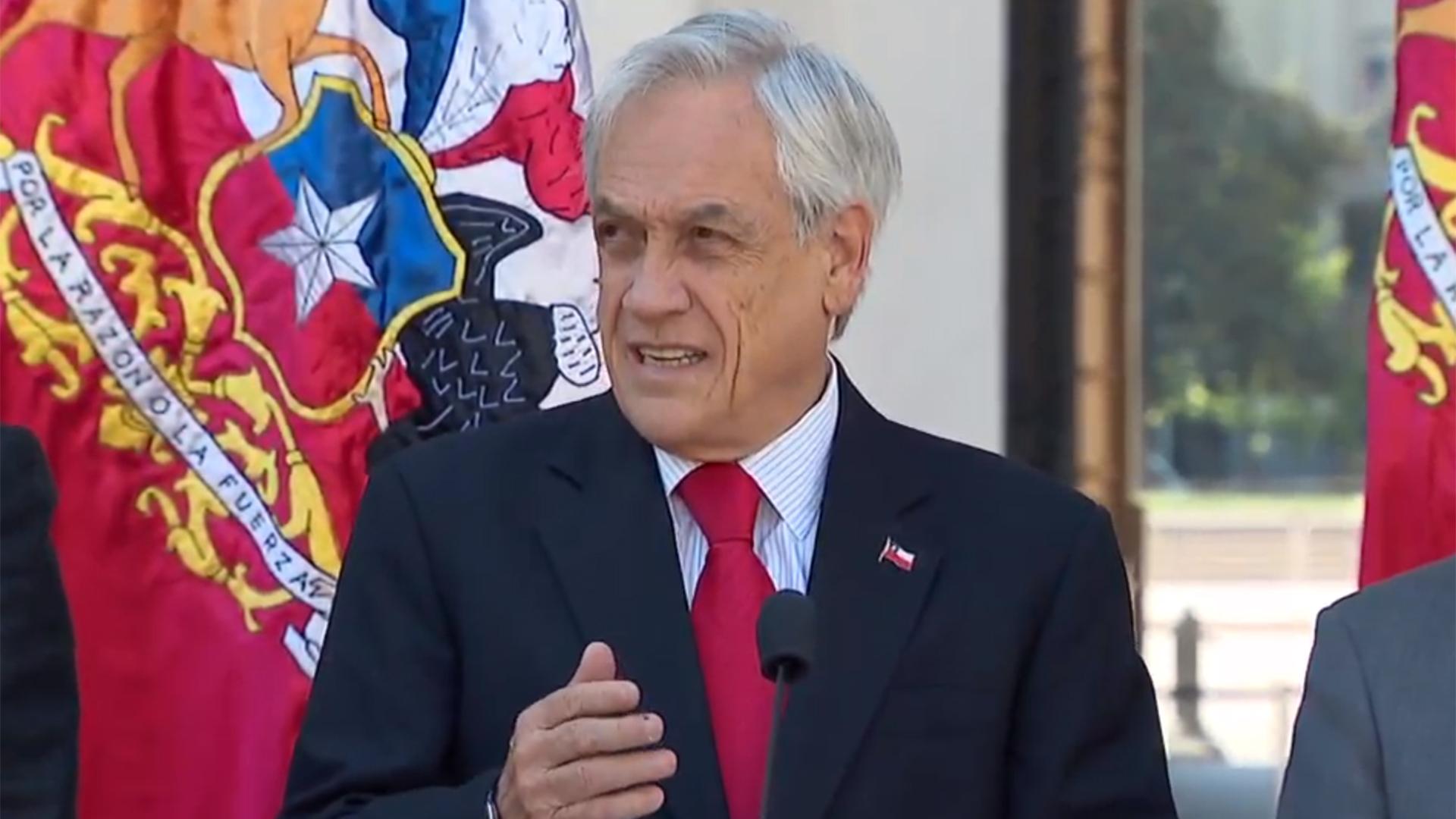 Piñera convoca a sus ministros a La Moneda y prepara cambio de Gabinete