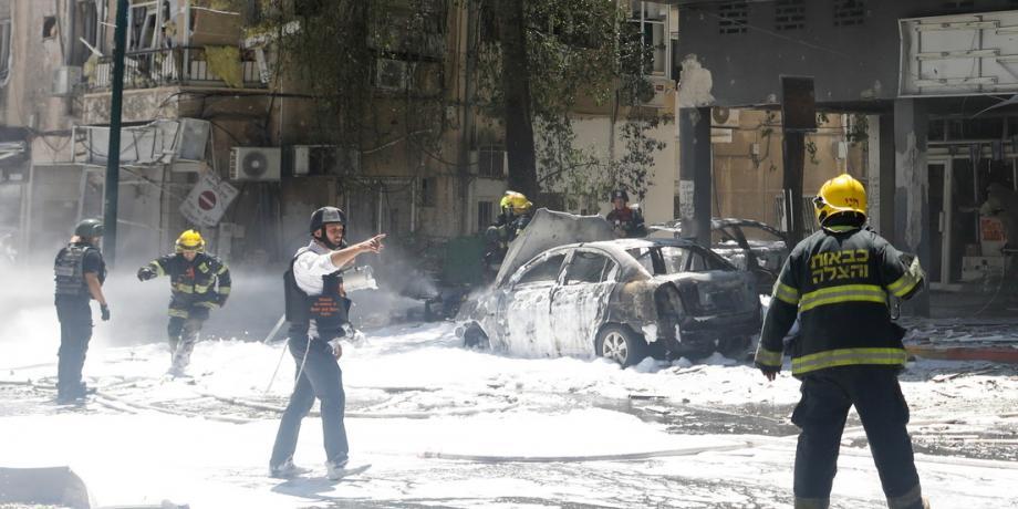 Hamas lanzó 20 misiles contra Tel Aviv: un muerto y decenas de heridos
