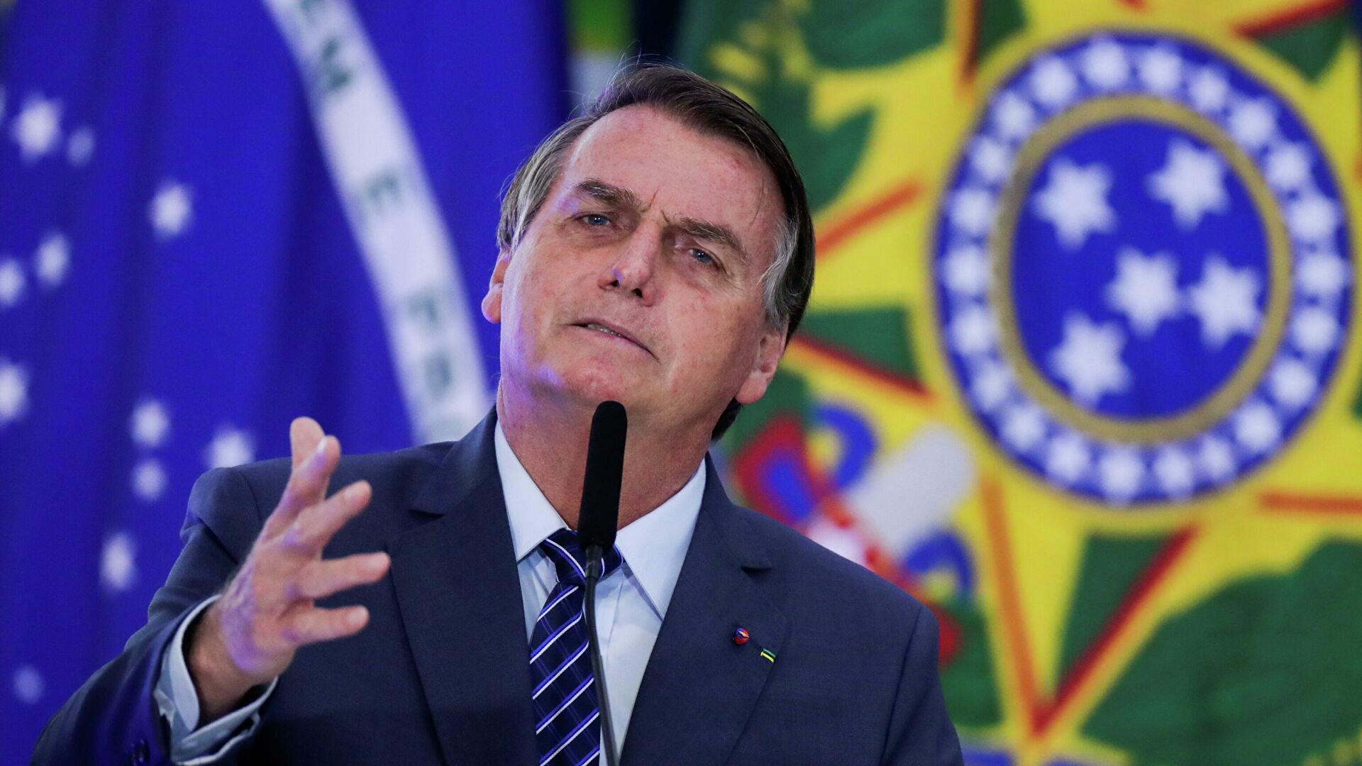 Los médicos de Bolsonaro analizan una operación de emergencia por una obstrucción intestinal