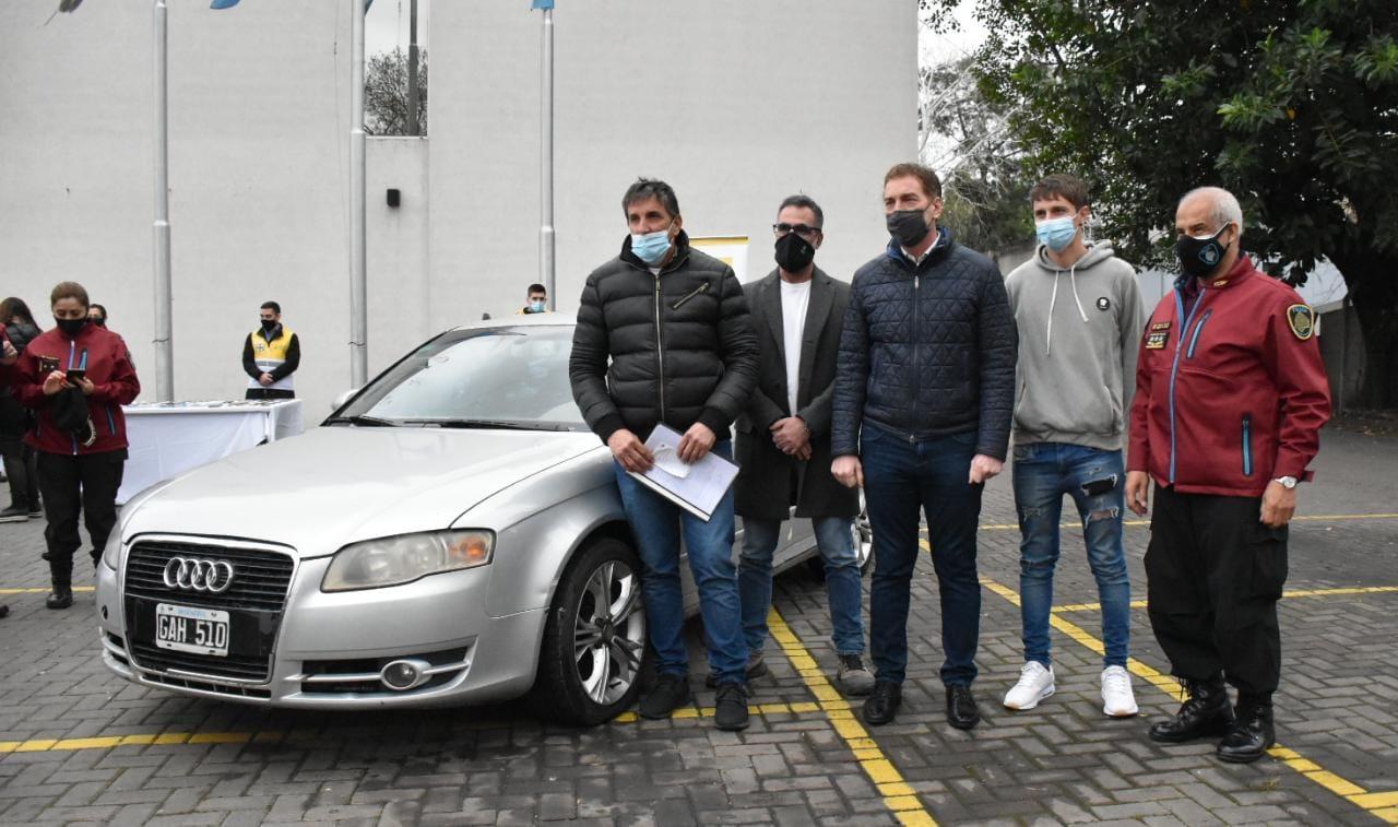 Devolvieron autos y celulares recuperados por la Policía de la Ciudad a sus legítimos dueños
