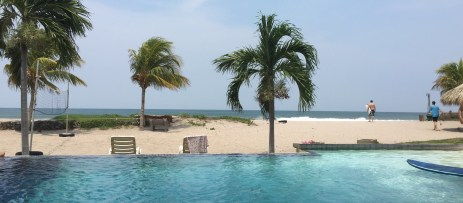 Hacienda Iguana Beachfront in Tola