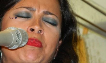 Mujer en Sol Mayor- Andrea Tierra