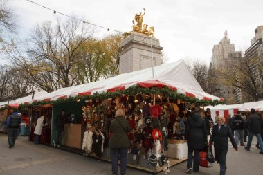 Mercado Navideño en la entrada de Columbus Circle del Parque Central- Foto de Will Steacy