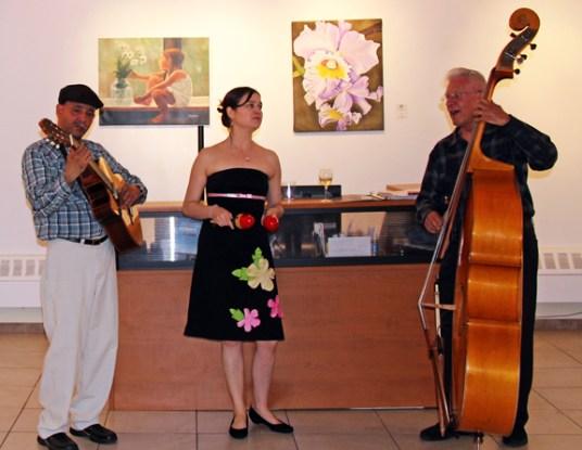 Alexandra Castaño y su bolero-jazz trio