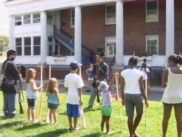 Actividades recreacionales y educativas en Governors Island. (Foto Departamento de Parques)