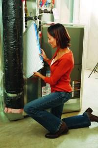 Cambie su filtro Filtrete al comienzo de cada temporada para respirar aire más limpio en su casa.