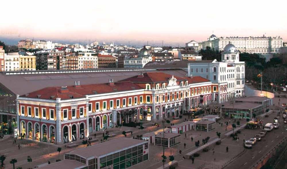 La Antigua Estacion De Principe Pio Albergara En Madrid El Primer