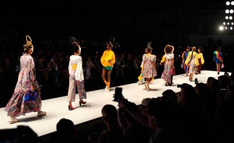 """La """"New York Fashion Week"""" ha vuelto a desplegar eventos presenciales después de dos ediciones prácticamente virtuales y busca reposicionar a la Gran Manzana como capital de moda. (Fuente externa)"""