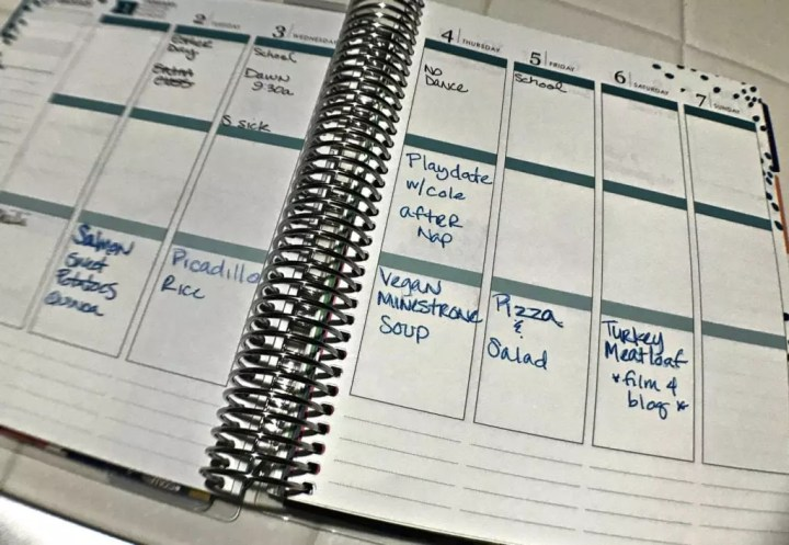 If you are trying to lose weight, eat healthy, stay on budget or just be more organized in the new year, then the first place to start is with meal planning. Read about how to plan weekly or monthly meals for your crockpot, batch cooking or freezer stash for your busy family. #mealplanning #recipe #organization #dinner #newyear
